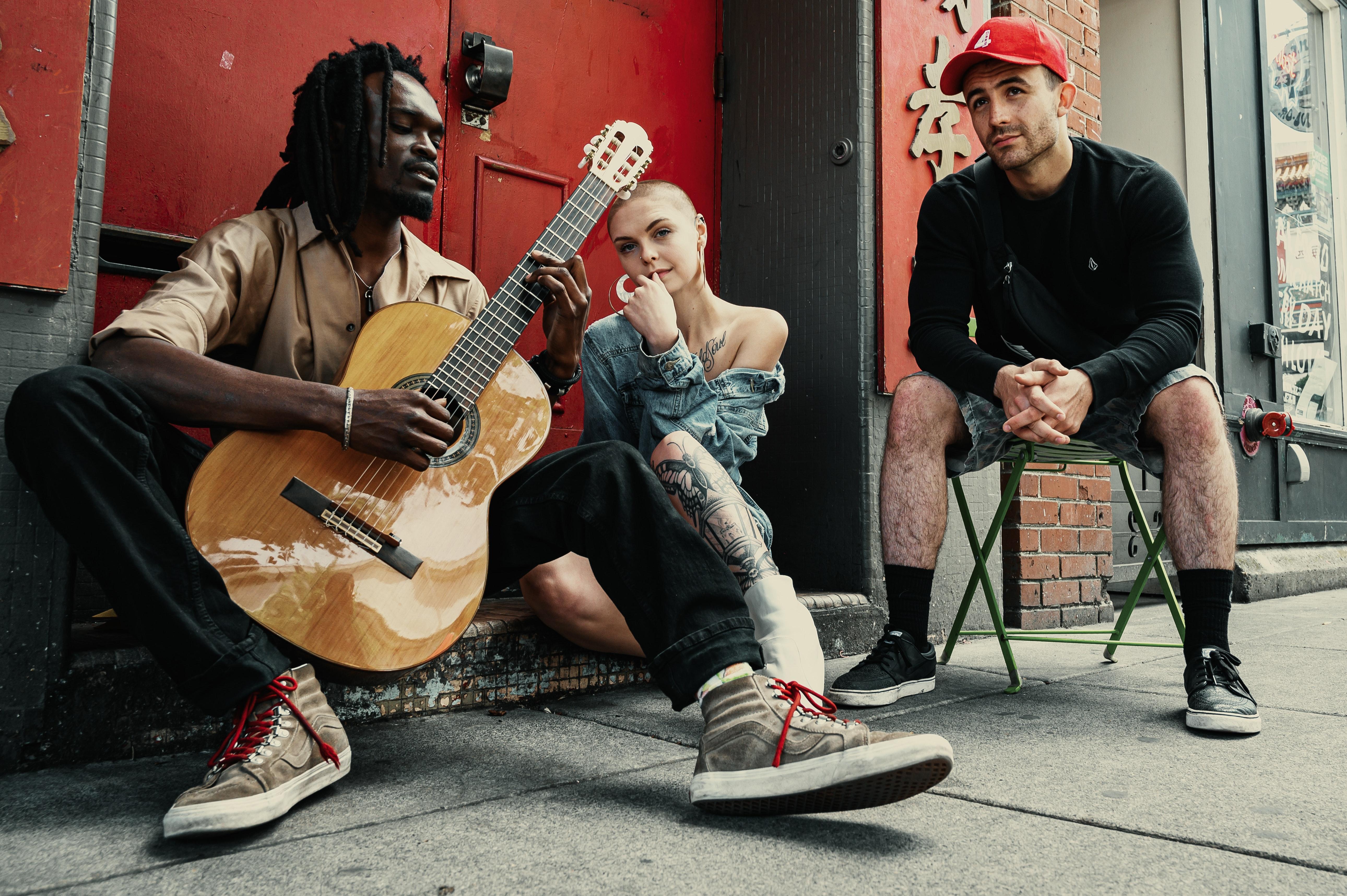 artist-band-diversity-2479312.jpg